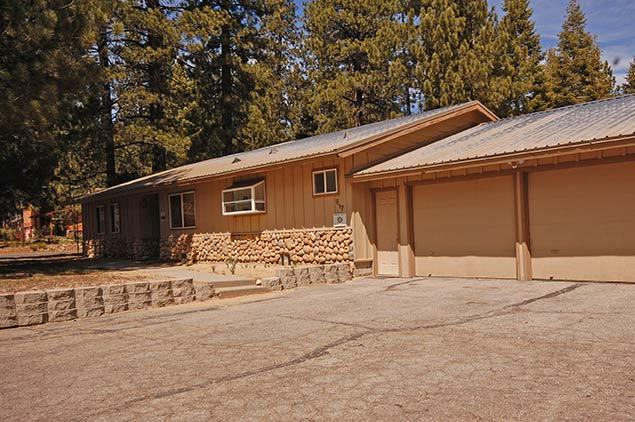 Exterior - 917 Tahoe Keys Blvd - South Lake Tahoe - rentals