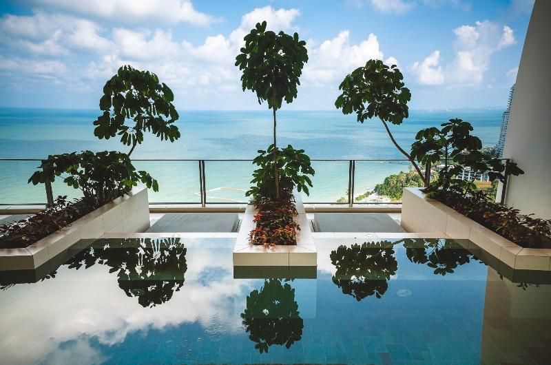 Swimming pool with Jacuzzi on the 24th floor - Luxury apartment NorthPoint Pattaya 2 bed - Pattaya - rentals