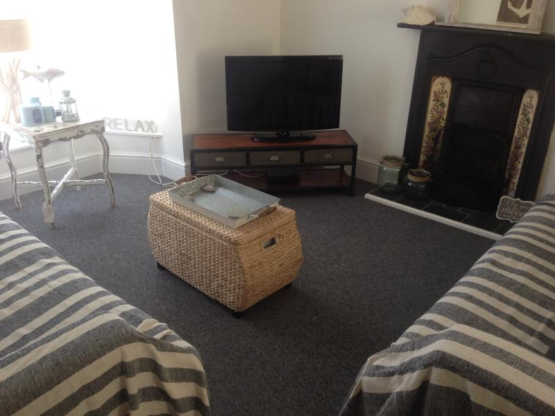 Large living room with additional seating area at the back of the sitting room - Beautiful Newly decorated St Ives Beach House - Saint Ives - rentals