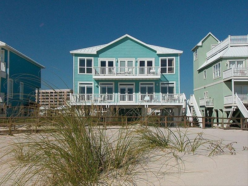 Day Dream ~ 5 bedrooms that sleeps 15 w/ elevator - Image 1 - Gulf Shores - rentals