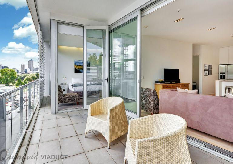 Sunny balcony with modern outdoor furniture. - Stylish 2 Bedroom Ponsonby Serviced Apartment Accomodation - Herne Bay - rentals