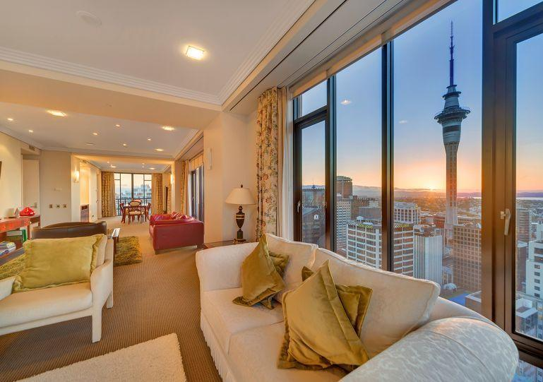 Stunning 270 degree views of the city and harbour. - 3 Bedroom Penthouse Apartment in the Metropolis, Auckland with Stunning Views. - Auckland - rentals