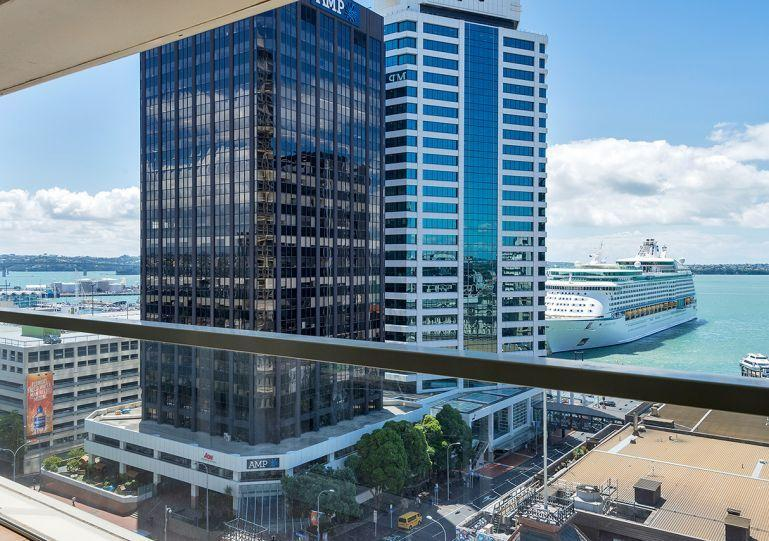 Airconditioned apartment with stunning views over the city and water - 2 bedroom, 2 bathroom Air Conditioned Apartment in Quay West Residences, Downtown Auckland - Auckland - rentals