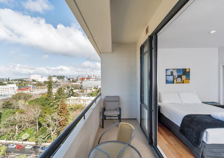 Balcony overlooking the city - Serviced Studio Apartment in the Connaught Auckland City -Amazing Water Views - Albany - rentals