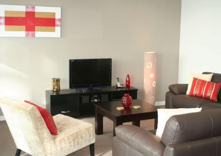 Tasteful, modern decor. WiFi and My Sky TV are included. - Wynyard Quarter 2 Bedroom Serviced Apartment Accommodation - Auckland - rentals