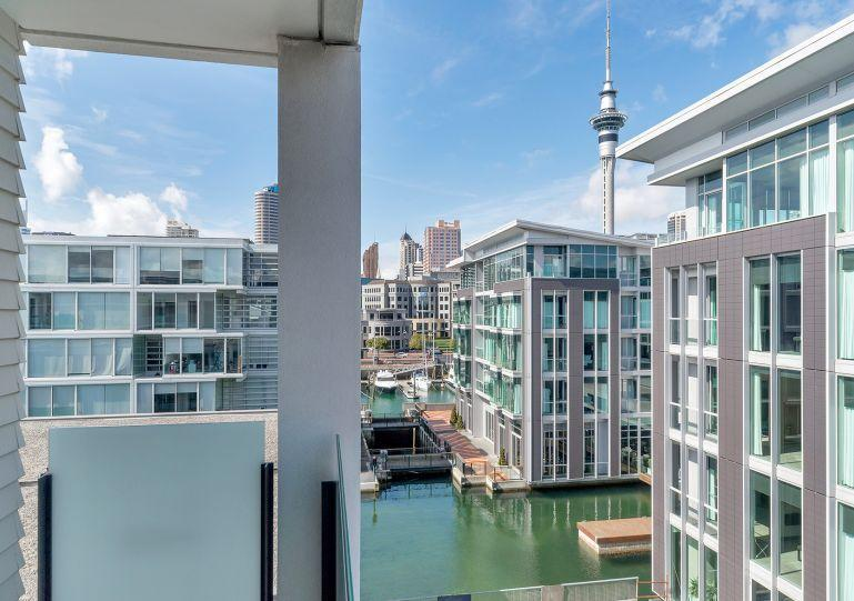 Sunny 4th Floor Apartment - Sunny 4th floor Apartment with Views of Auckland City in Lighter Quay Complex - Auckland - rentals