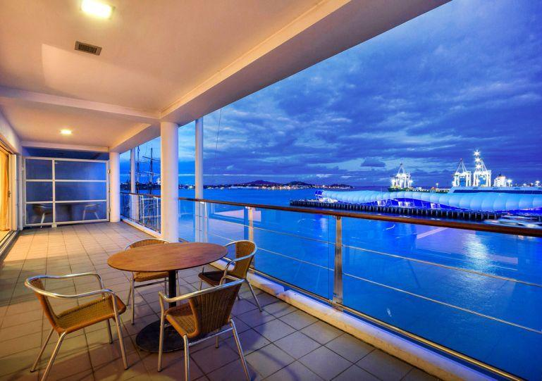 Breathtaking has views north east out - Two Bedroom Waterfront Apartment with Large Balcony on Eastern Side of Princes Wharf - Auckland - rentals