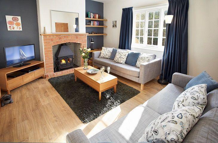 5 Hillside (Devon) - Image 1 - Axmouth - rentals