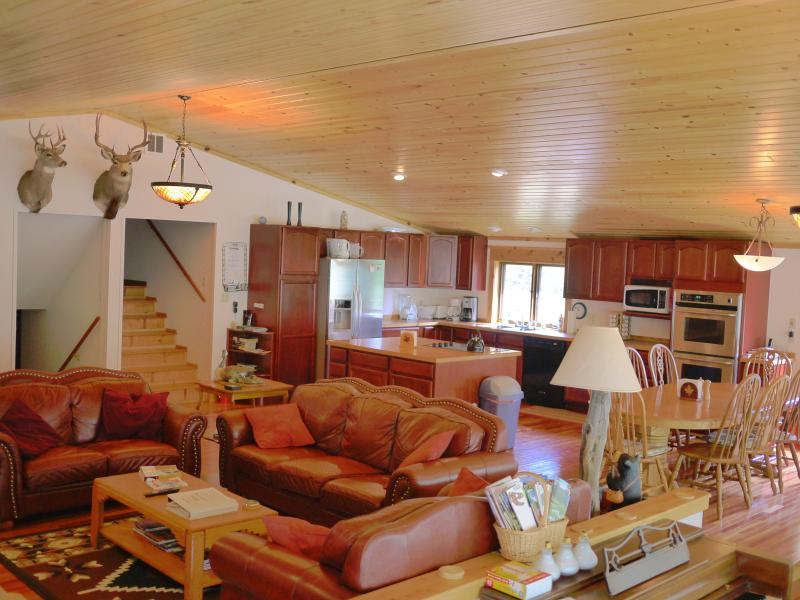 The fully stocked gormet kitchen area has a double over, microwave, & cook top in island. - Montana Sunrise Lodge - Vacation Home in Montana - White Sulphur Springs - rentals