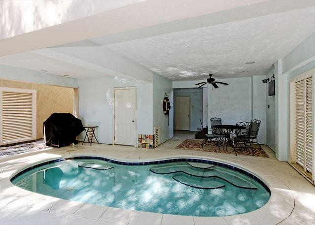 Covered Pool - Corine Lane 25, Luxury 7 Bedrooms Private Heated Pool, Sleeps 16 - Hilton Head - rentals