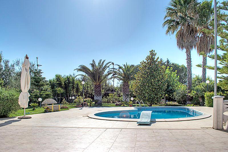 Villa Maia - Villa with pool, garden and lawn, 6km from the sea - Molfetta - rentals