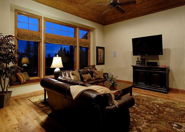 Lofty Peaks Villa - Gorgeous 10 Bedroom Duplex Chateau!  Excellent Views of the ski slopes - Breckenridge - rentals
