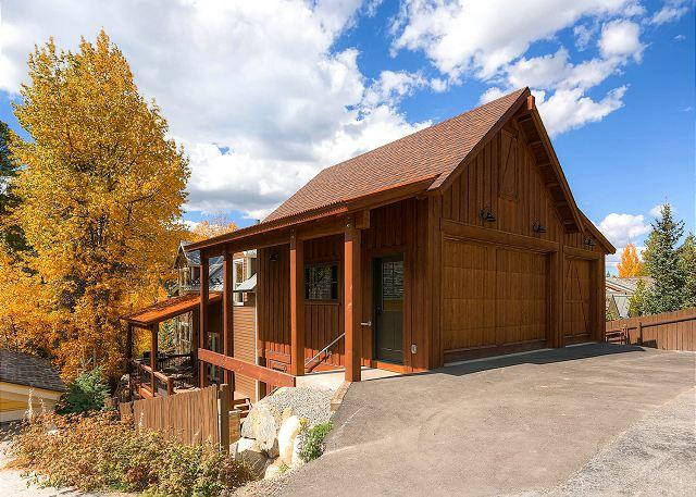 Raven's Call Chalet - Walk to Main Street from this 6 Bedroom Chalet - Views, Hot Tub & Game Room!! - Breckenridge - rentals