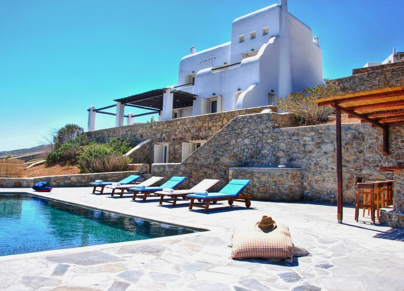 View of the pool and the villa - 5***** Villa With Breathtaking Aegean Sea View - Mykonos Town - rentals