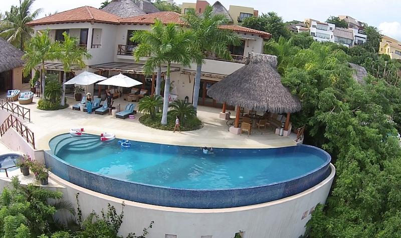 Villa Ballena, Beachfront Villa Riviera Nayarit - Image 1 - La Cruz de Huanacaxtle - rentals