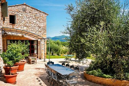 Unforgettable Cilla Vallefalcone with views of vineyards and olive groves - Image 1 - Terni - rentals