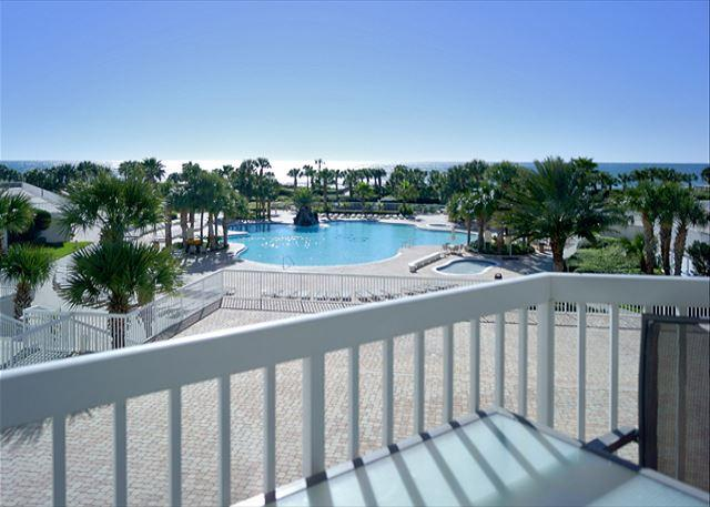 BEACHFRONT FOR 8! LUXURIOUS! OPEN 3/19-26! CALL BEFORE IT'S GONE! - Image 1 - Destin - rentals