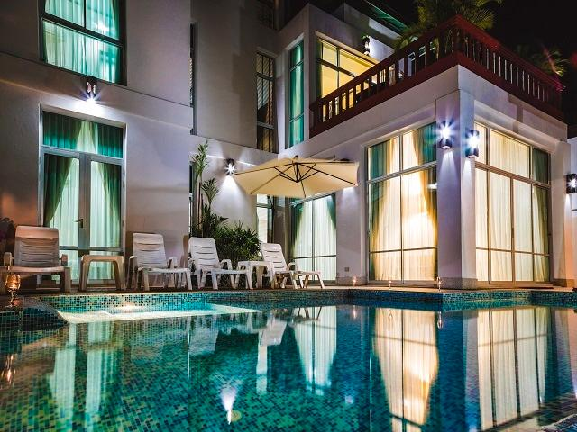 private garden area for relaxation. swimming pool with Jacuzzi bath. BBQ - Pattaya Jomtien Chic Villa 6+1 kids - Pattaya - rentals