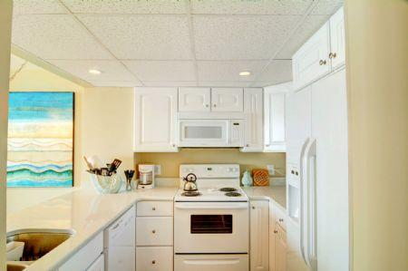Full Kitchen - ST. Regis 2206 - North Topsail Beach - rentals