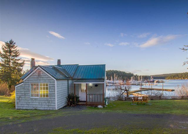 Waterfront Cottage near town - (Best Place Cottage) - Image 1 - Friday Harbor - rentals