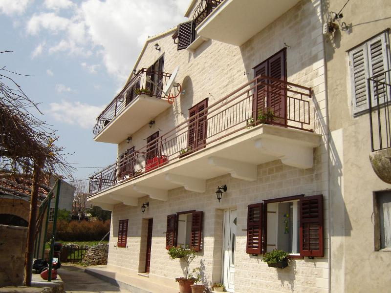 house - 03601BOL A zeleni(2) - Bol - Bol - rentals