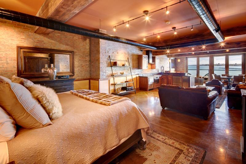 Luxury Lakeside One - Loft 42: Lakefront Luxury Suite, Kitchen & Balcony - Skaneateles Lake - rentals