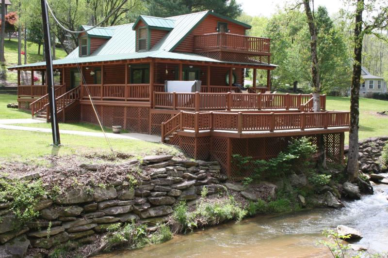 From cross over Bridge - 2Master Suite Private 6 Person  Hot Tub F/Place - Bat Cave - rentals