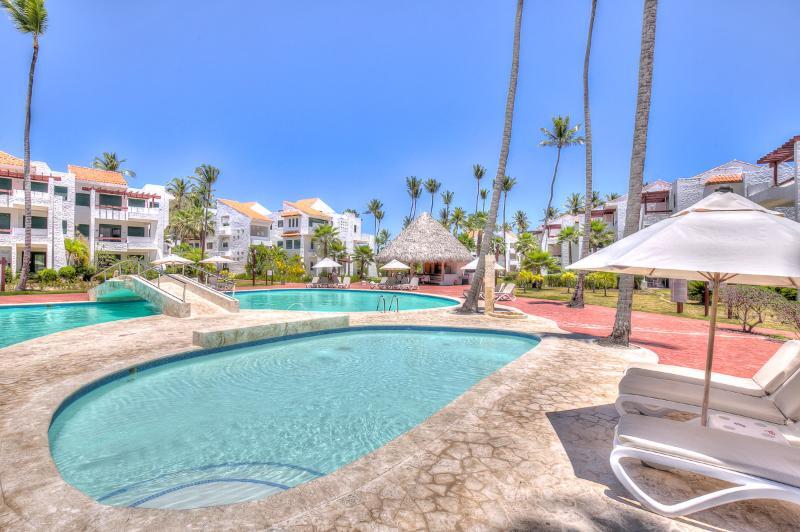 Oasis Romantico -  Beachfront Luxury in Punta Cana - Image 1 - Punta Cana - rentals
