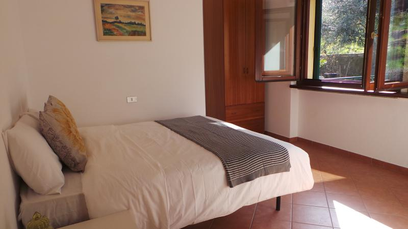 Stresa 3 bedroom apartment with private beach. - Image 1 - Belgirate - rentals