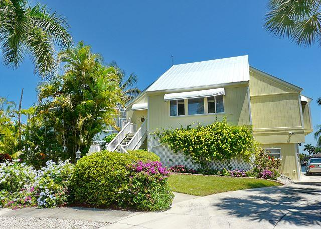Three-story waterfront home w/ fantastic view & short walk to Tigertail Beach - Image 1 - Marco Island - rentals