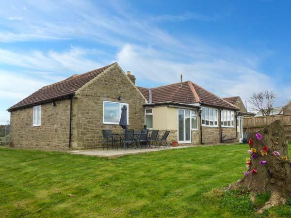 BARFORTH HALL LODGE, pet-friendly cottage with WiFi, hot tub, single-storey spacious accommodation, Barnard Castle Ref 919938 - Image 1 - Winston - rentals