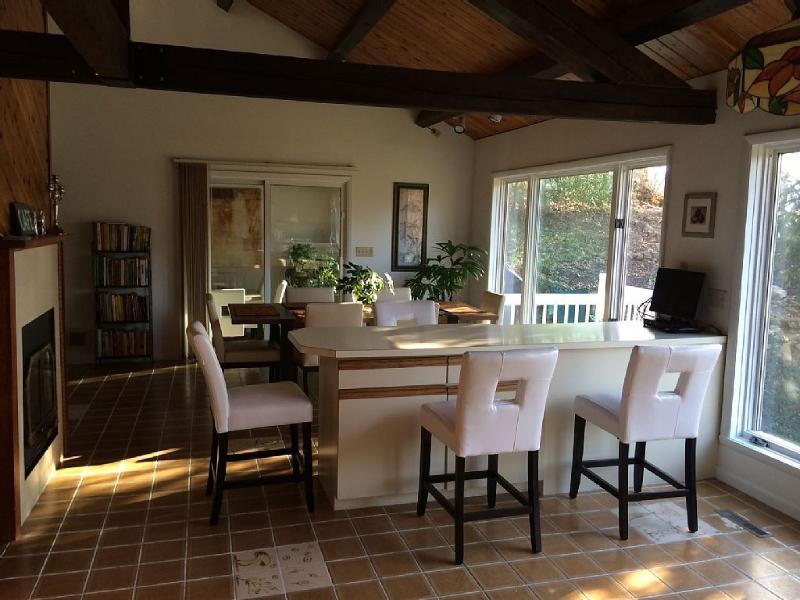 Kitchen - Main level - Charming 5 bedroom holiday rental - Easton - rentals