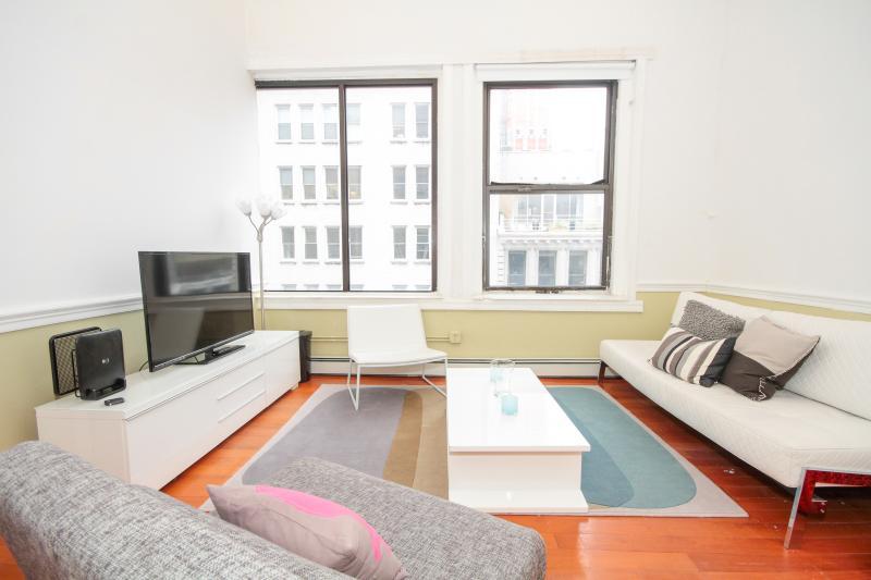 Tribeca 4-bed room massive apt - Image 1 - New York City - rentals