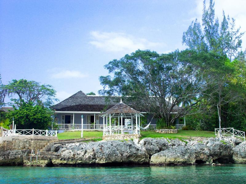 Sea Haven on Discovery Bay - Image 1 - Stewart Town - rentals