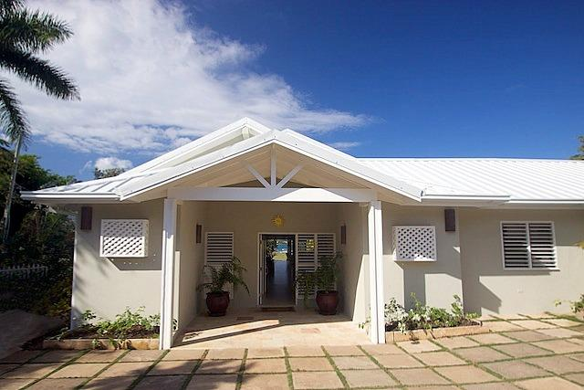 Coral Cove Villa on the Beach - Image 1 - Ironshore - rentals