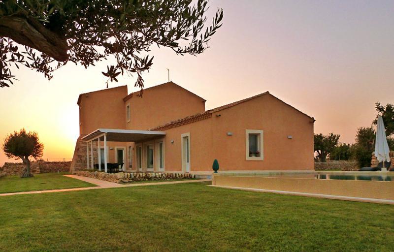Villa Rosa Marquis - Image 1 - Casa Camarina - rentals