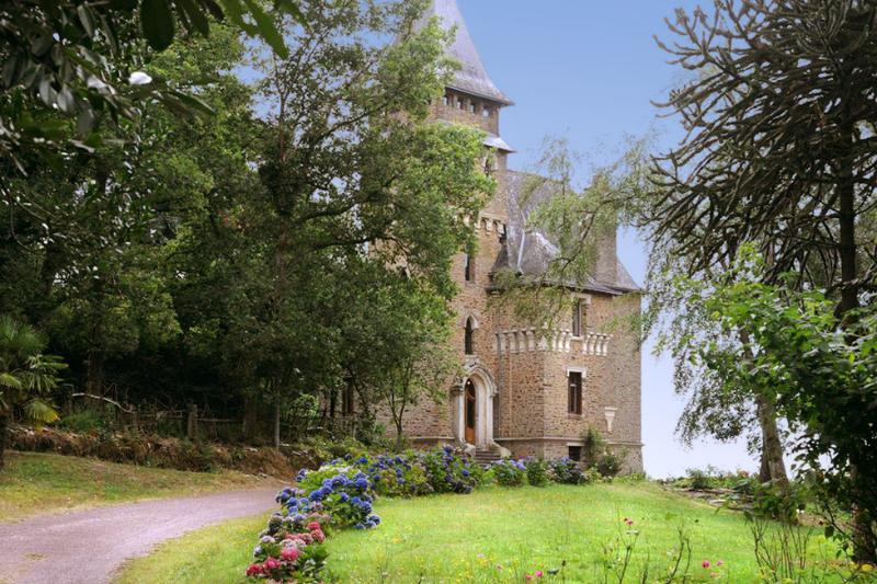 Chateau Estienne - Image 1 - Quelneuc - rentals
