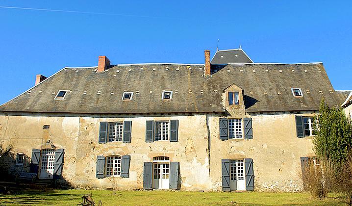 Chateau De Montare - Image 1 - Saint-Julien-le-Petit - rentals