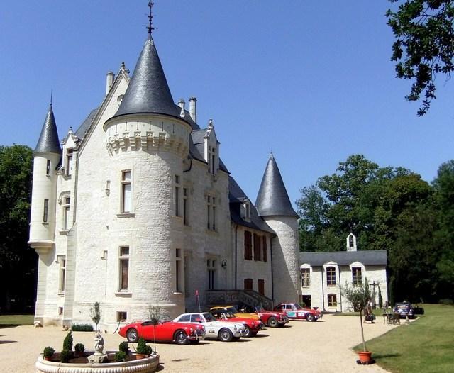 Chateau Artigny - Image 1 - France - rentals