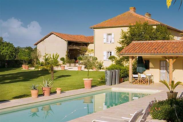 Treybo Farmhouse - Image 1 - Trie-sur-Baise - rentals