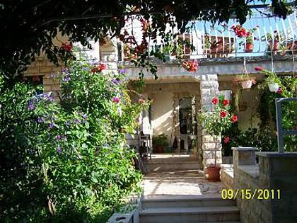 courtyard (house and surroundings) - 4914 A3(4+1) - Vinisce - Vinisce - rentals