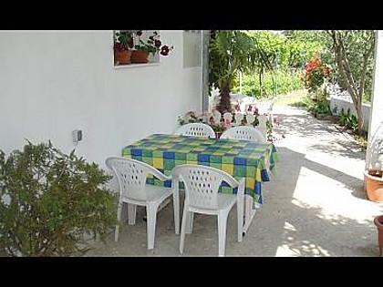 A1(4+2): garden terrace - 001VINI  A1(4+2) - Vinisce - Vinisce - rentals