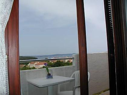 A2(2+2): terrace - 5079 A2(2+2) - Kukljica - Kukljica - rentals