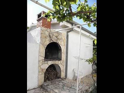 grill (house and surroundings) - 5624 A2(2+1) - Jezera - Jezera - rentals