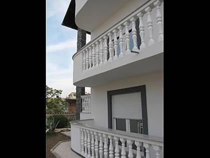 A6(2+2): terrace - 5653 A6(2+2) - Pirovac - Pirovac - rentals