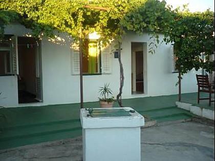 courtyard (house and surroundings) - 5738  A1(4+1) - Primosten - Primosten - rentals