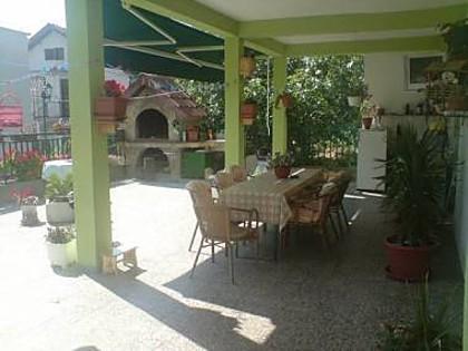 common terrace (house and surroundings) - 5802 SA3(2+1) - Gradac - Gradac - rentals