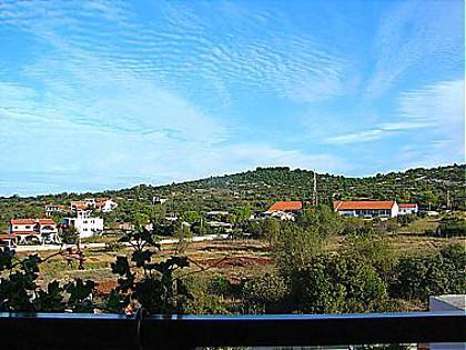 A1 Crveni (2+1) : terrace view - 00710TISN A1 Crveni (2+1)  - Tisno - Tisno - rentals