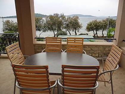 A4(2+2): terrace - 7255 A4(2+2) - Vodice - Vodice - rentals
