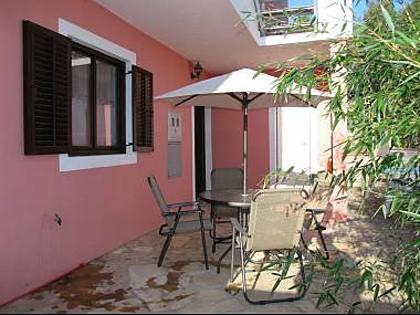 A2(4+1): terrace - 013-04-MAS A2(4+1) - Maslinica - Maslinica - rentals
